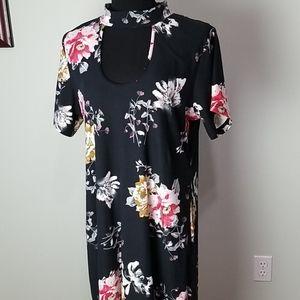 Cleo Apparel plus dark floral sheath dress